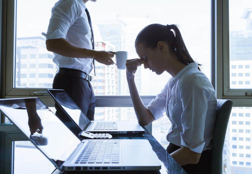 Ansiedade no trabalho: quais são as causas e como controlar?